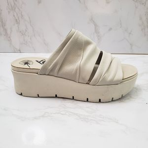 OTBT Ivory Weekend Leather Platform Sandals 8.5